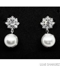 Short Shelly Pearl Earrings